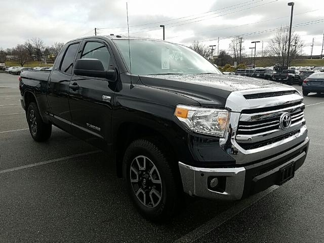 new 2017 toyota tundra 4wd sr5 double cab 6 5 39 bed 5 7l truck in york t39911 toyota of york. Black Bedroom Furniture Sets. Home Design Ideas